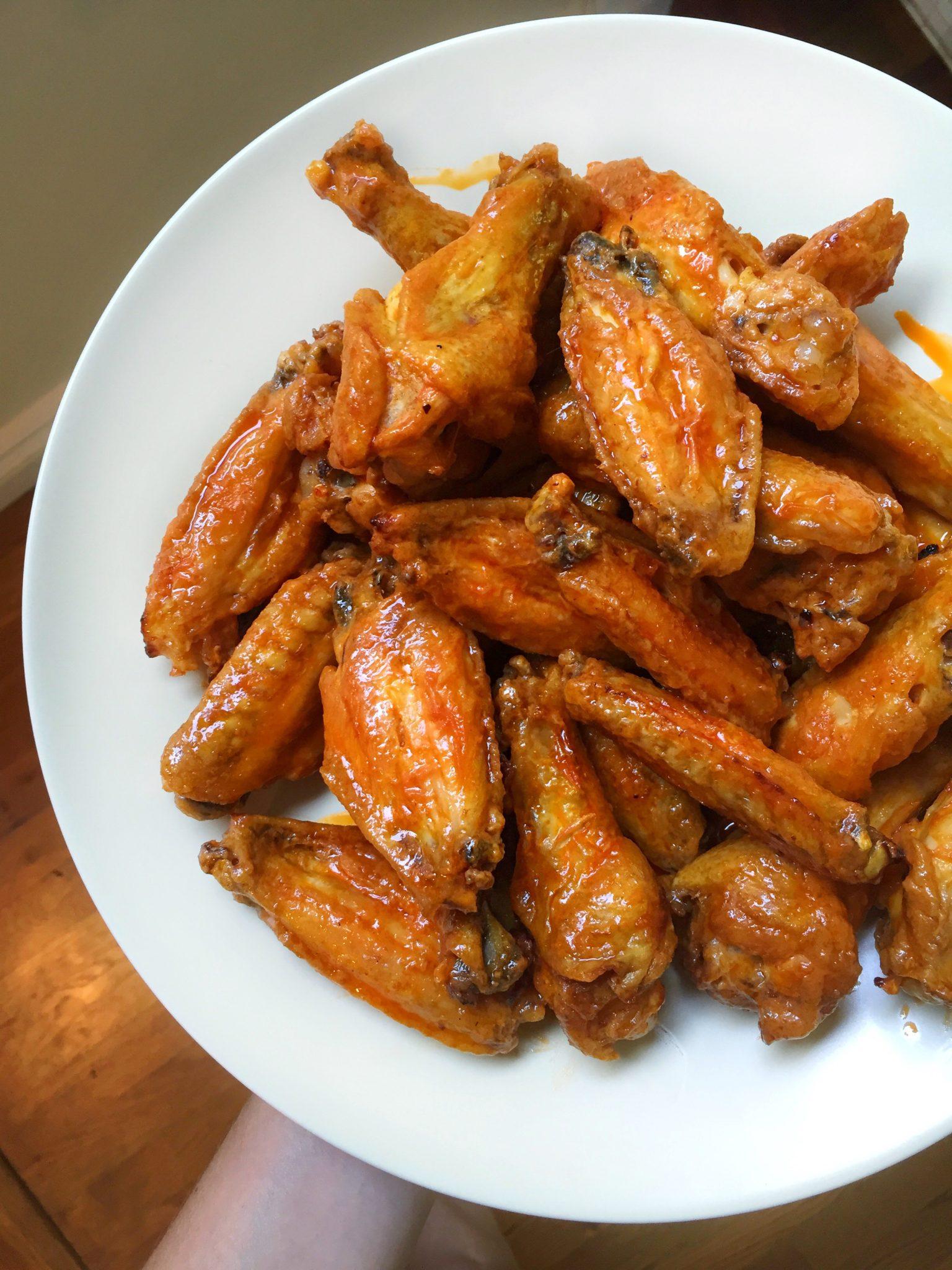 Football Snacks: Boiled & Broiled Buffalo Wings | The Skinny Pig