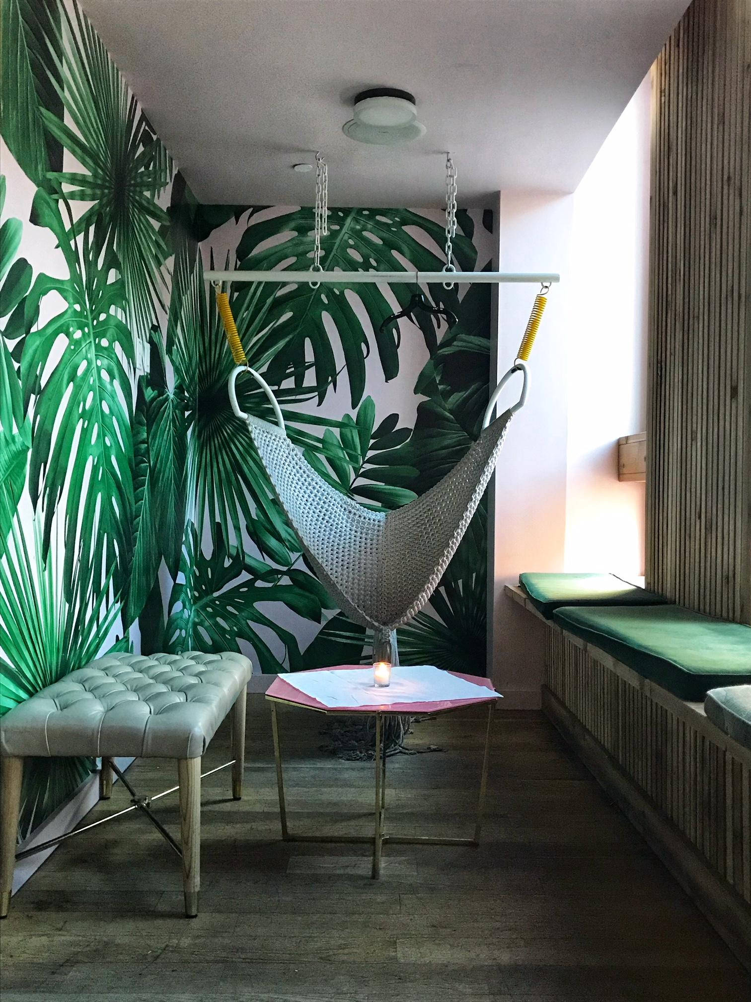 VNYL Swing - Champagne Room