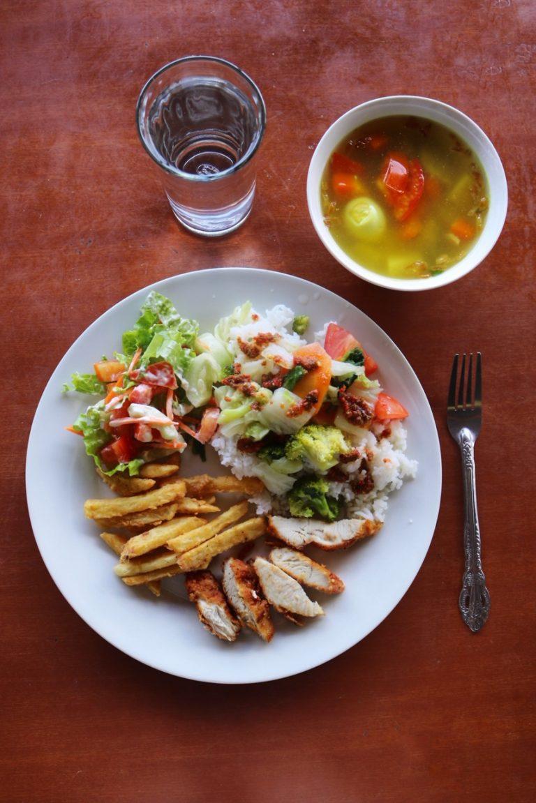 Saulinas Resort Lunch - Lake Toba